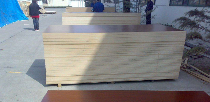 Various Colors Melamine Laminated MDF Board For Morden Advanced Equipment
