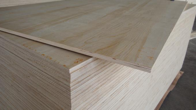 Natural Color Pine Veneer Plywood , Furniture grade 4 By 8 Plywood Sheets