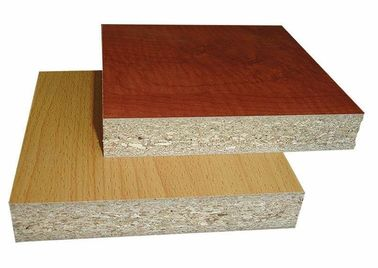 China Poplar Core Melamine Coated Particle Board / WBP Glue Laminated Particle Panels factory