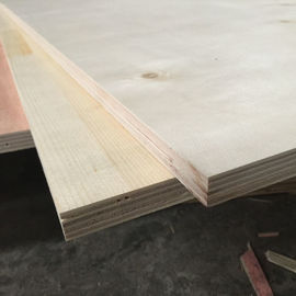 China Birch Faced Furniture Decoration Commercial Grade Plywood 12% Moisture factory