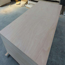 China 4mm Okoume Wood Veneer Commercial Grade Plywood E1 Glue Full Poplar Core factory